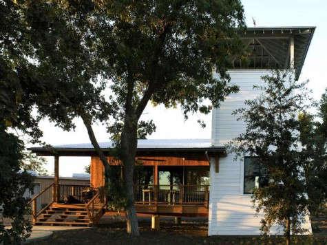 640_yolo-cabin-garden-jpeg