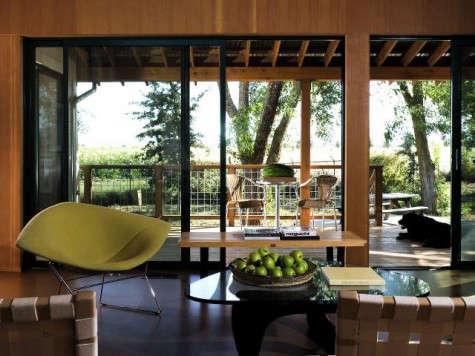 640_yolo-cabin-interior-jpeg