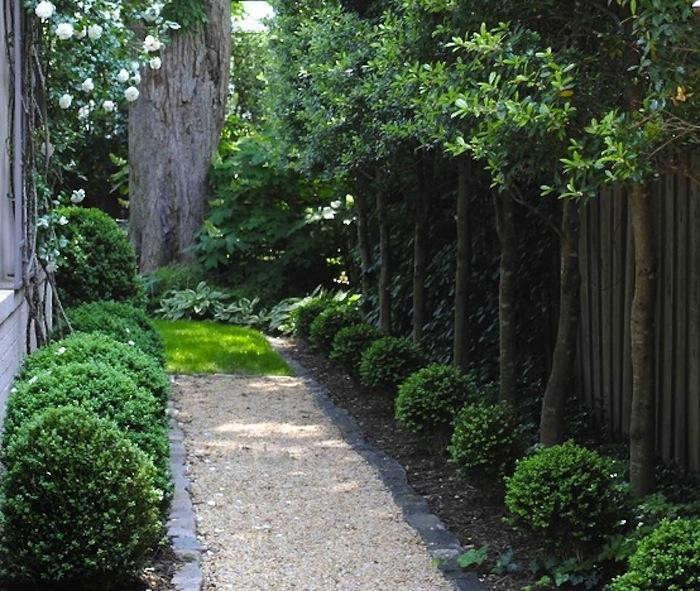 700_cropped-decomposed-granite-path-side-yard