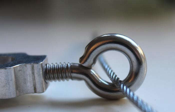 700_lag-eye-bolt-turncuckle-steel-cable-demo