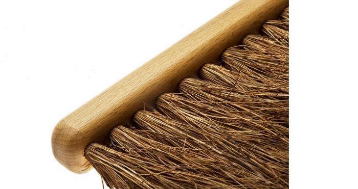700_waxed-beechwood-snow-brush-coconut-fiber-1024×1024-jpeg