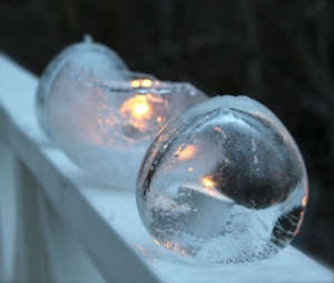 Ice candle snow outdoors 300x255