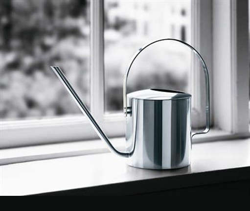 peter-holmblad-watering-can