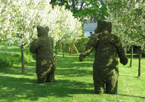 teddy-bear-topiary-in-the-berkshires