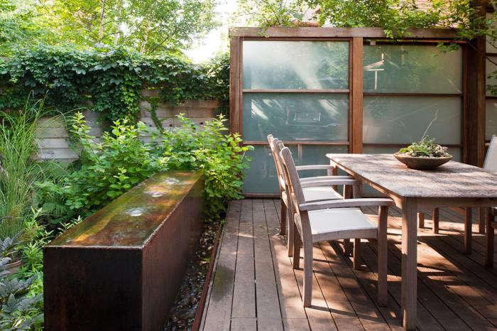 700_earthinc-patio-table