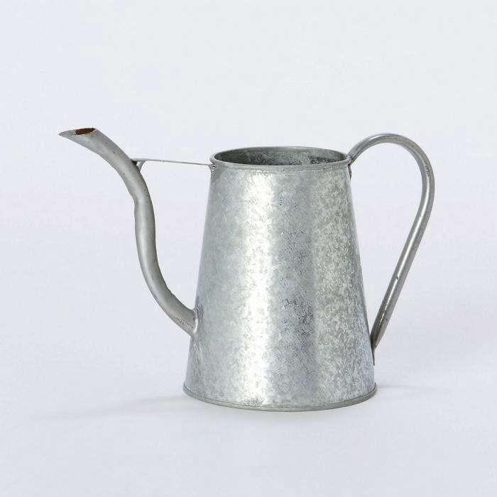 700_zinc-watering-can-for-container-plants