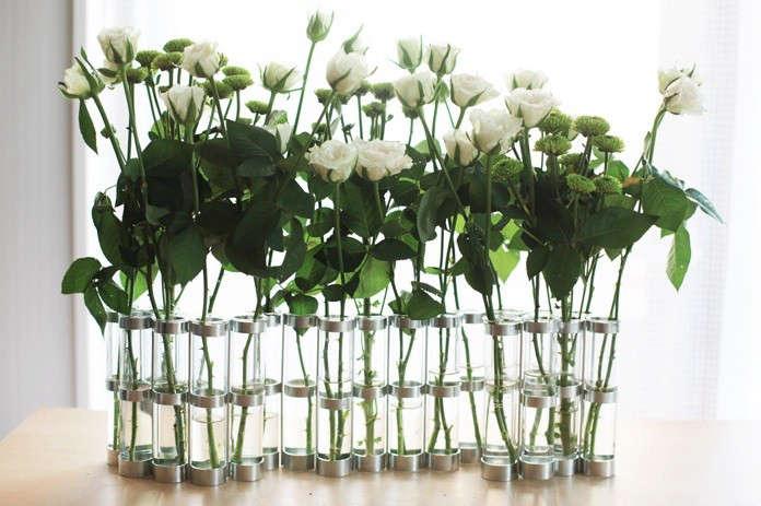 avril-vase-white-flowers