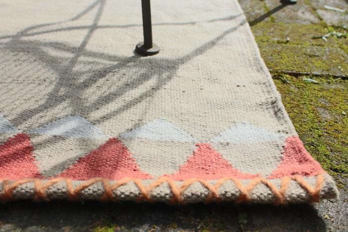 700_outdoor-rug-west-elm-closeup