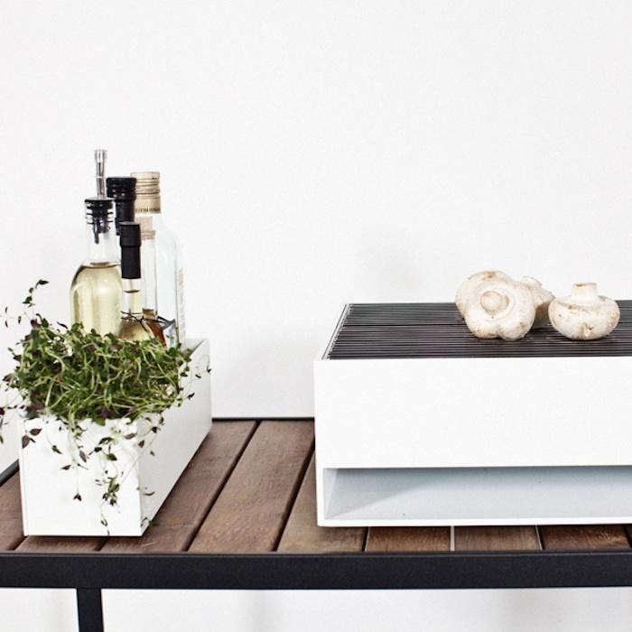 700_bbq-white-tabletop