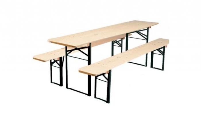 700_biergarten-table-germany