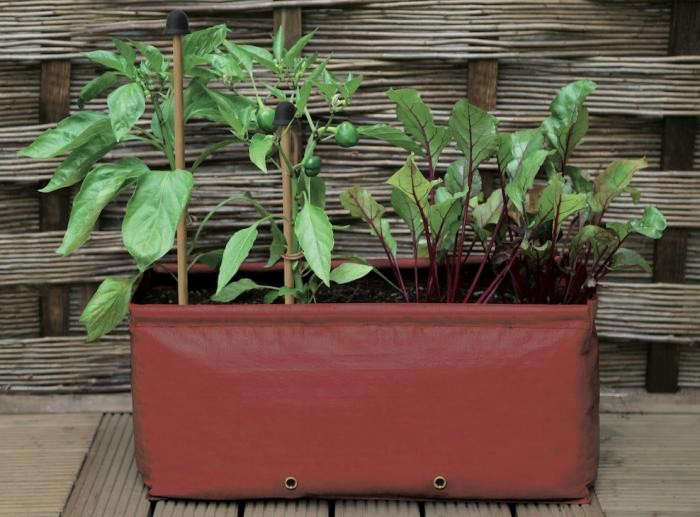 700_patio-planter-balcony-gardener-2