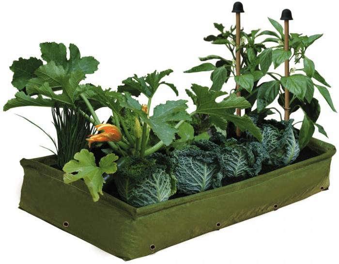 700_patio-planter-balcony-gardener