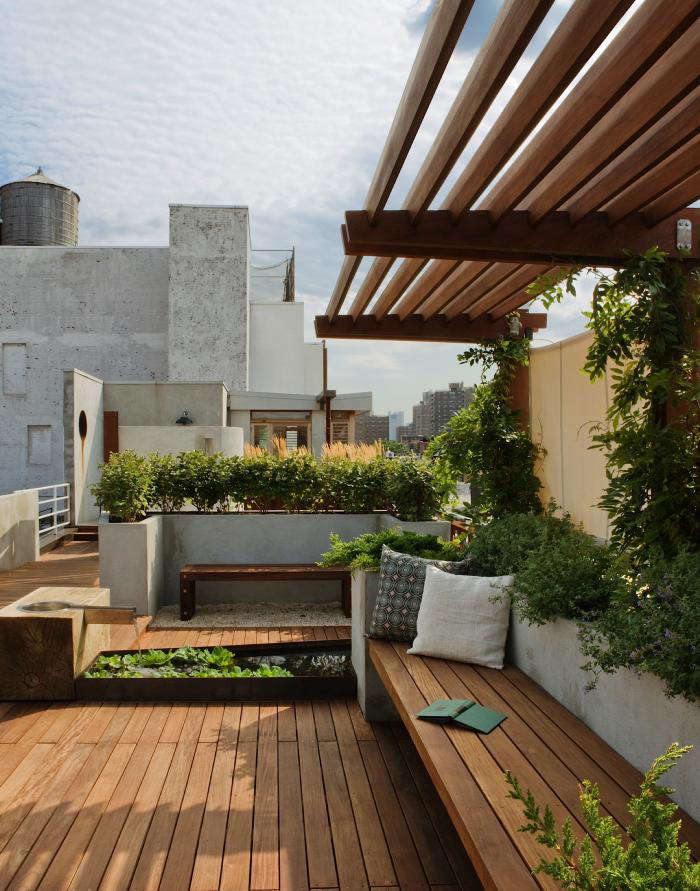 a manhattan roof garden with a panoramic view gardenista