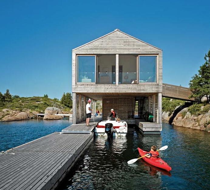 lake-huron-house-boats-under-house