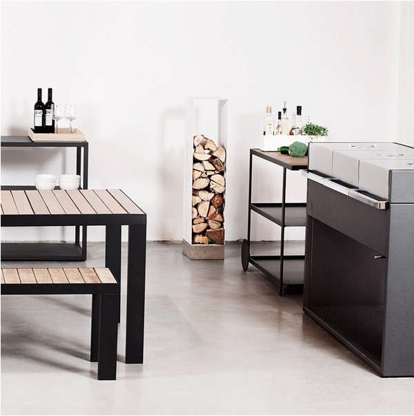 roshults-grill-wood-stand