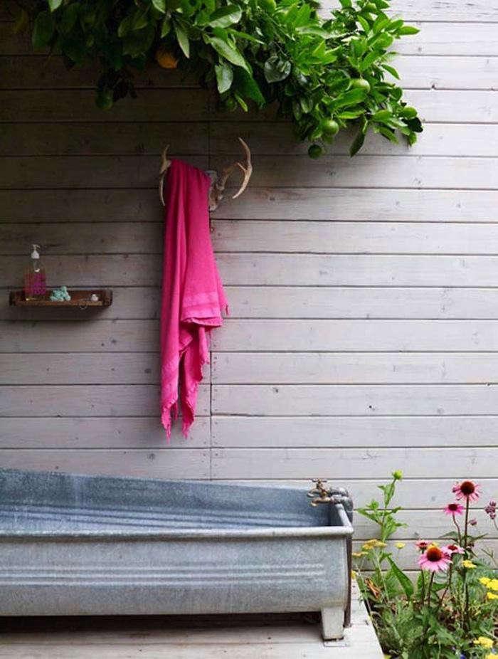 700_los-feliz-bath-outdoors