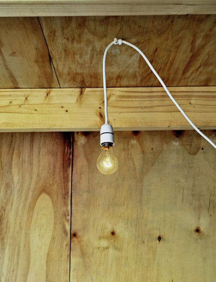 700_hanging-light