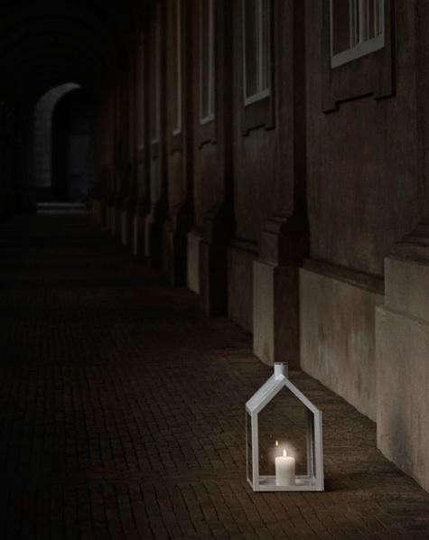 lighthouse-lantern-white