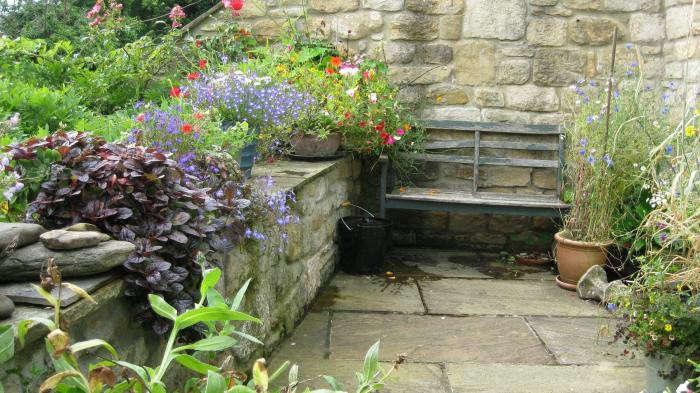 700_ruth-terrace-garden-10