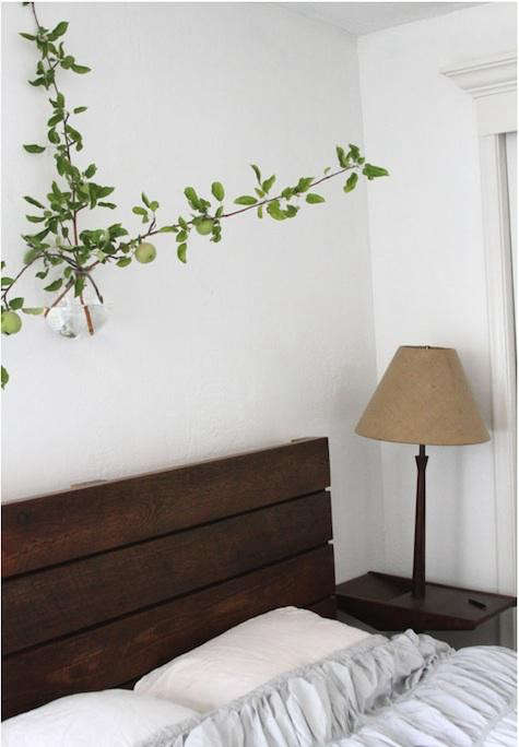 bedroom-with-wall-branch