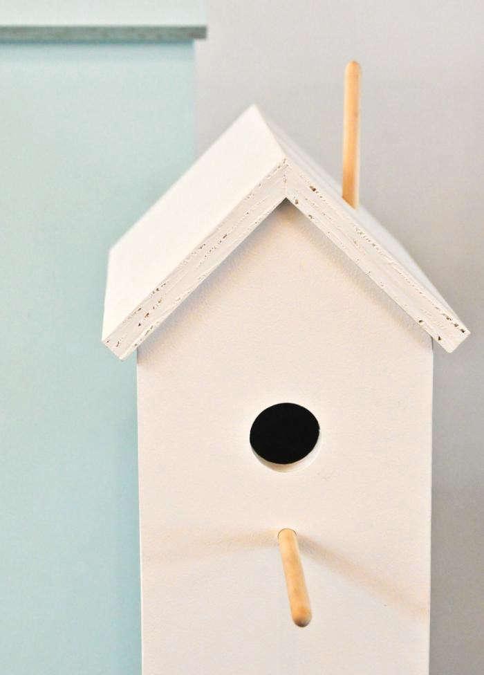 700_attic-birdhouse-white-close-up