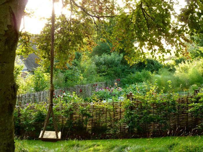 700_remodelista-ben-pentreath-fall-garden-06