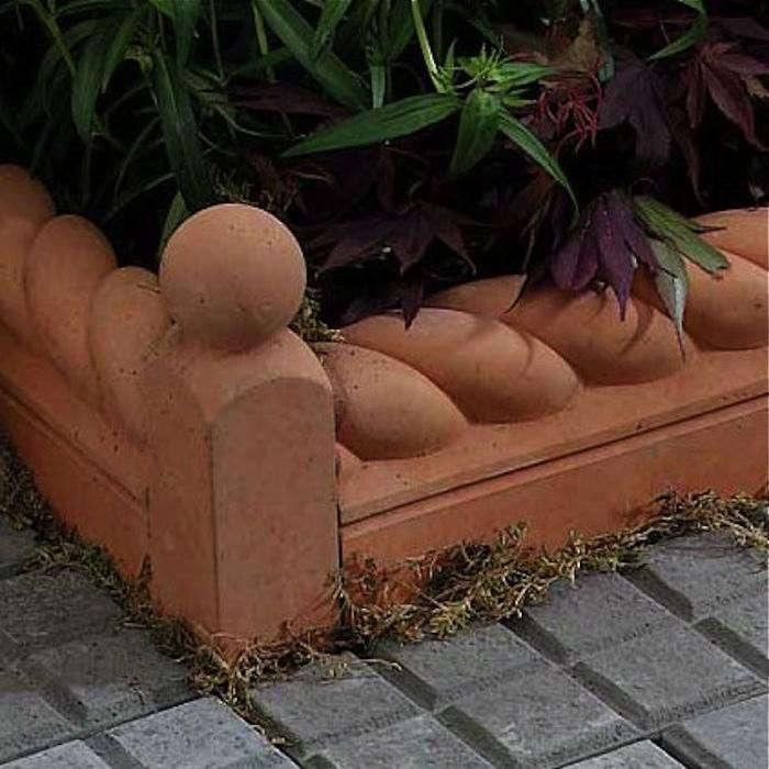 700_terracotta-edging-with-corner–80317-zoom
