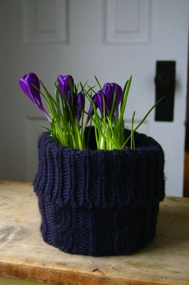 knitted-planter-new