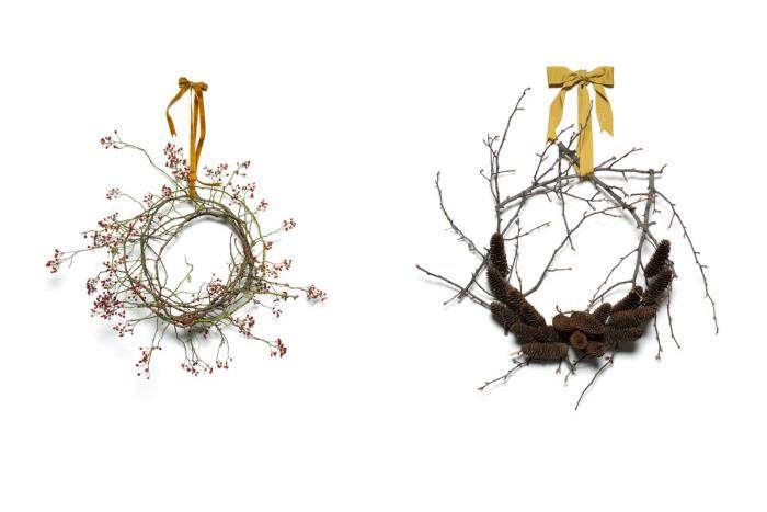 700_emily-thompson-winter-wreaths-rosehip-pinecones