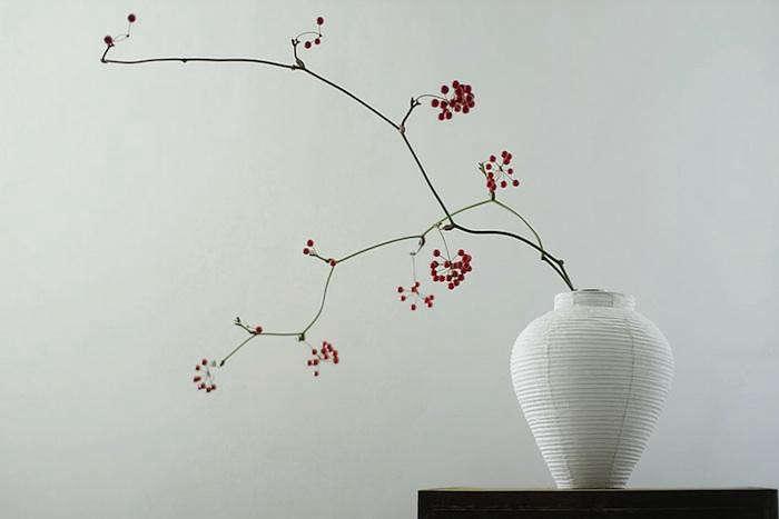 700_rina-ono-design-vase-berries