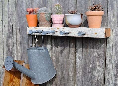 diy-bolt-hanging-rack