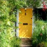 yellow-garden-door-flickr-flowers