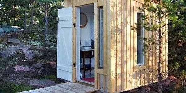 utedass-privy-outhouse-gardenista