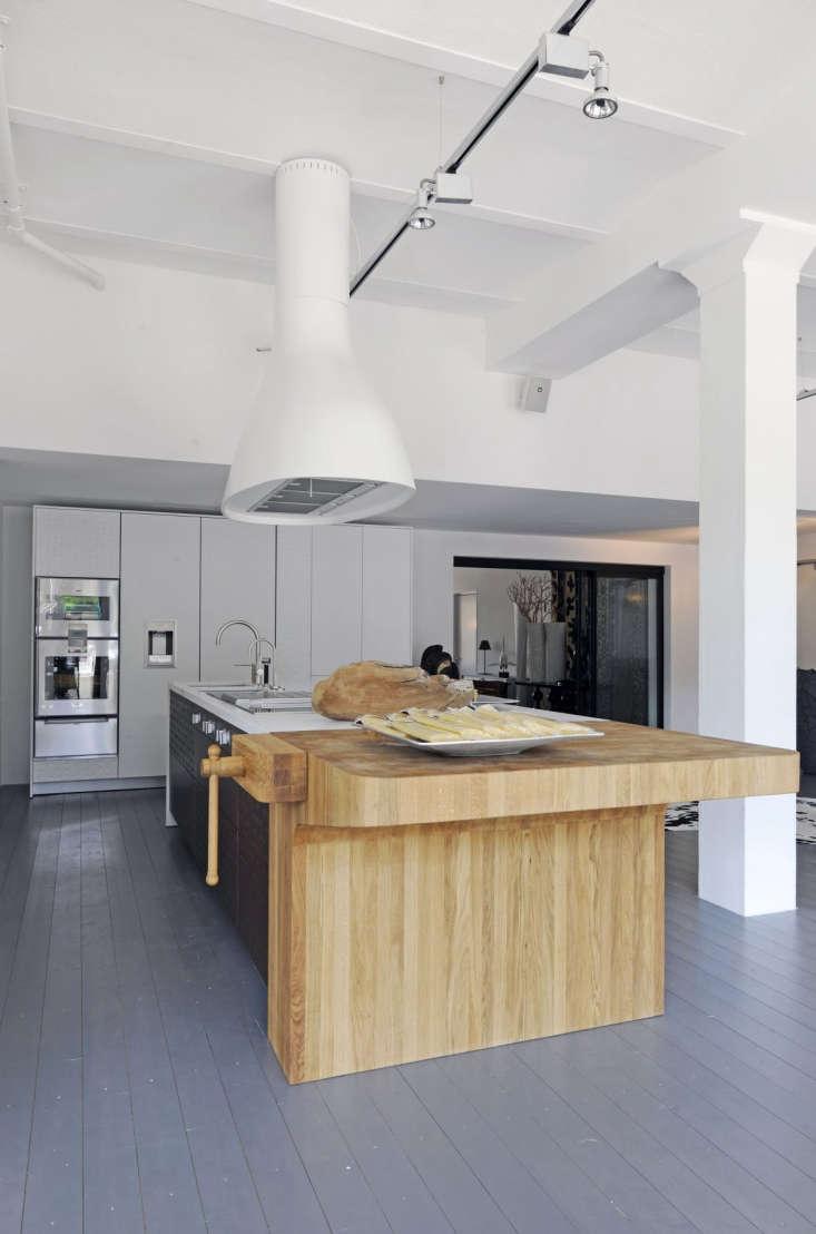 Italian kitchen designersSchiffiniuse end-grain butcher block on a kitchen island.