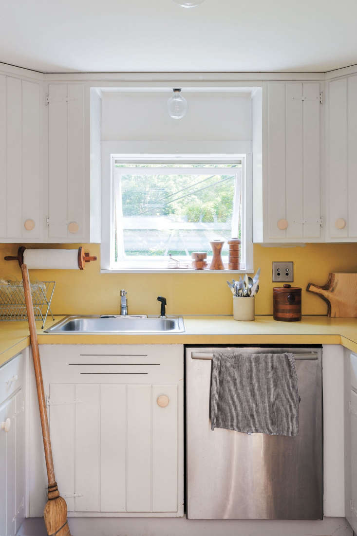 Kitchen Cabinets Repainted expert tips on painting your kitchen cabinets