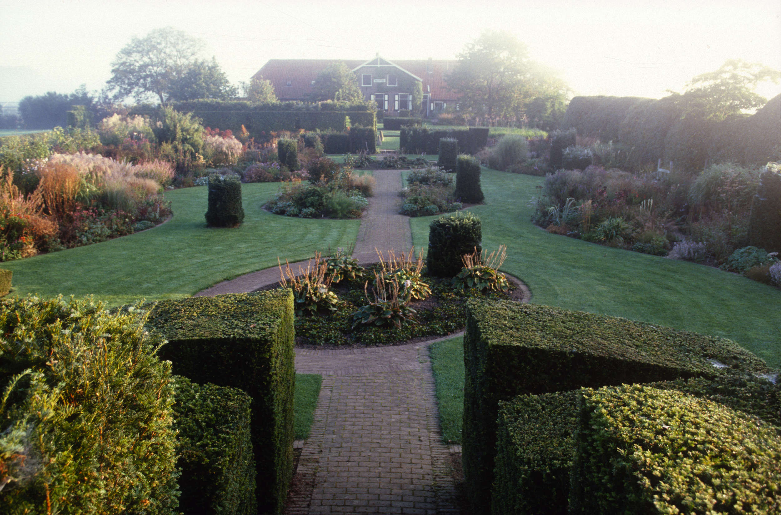 10 Garden Ideas To Steal From Superstar Dutch Designer