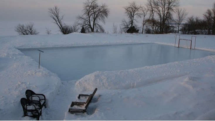 Beau Backyard Ice Hockey Rink Iron Sleek (733×413) | O U T | Pinterest |  Skating Rink, Backyard And Ice Hockey Rink