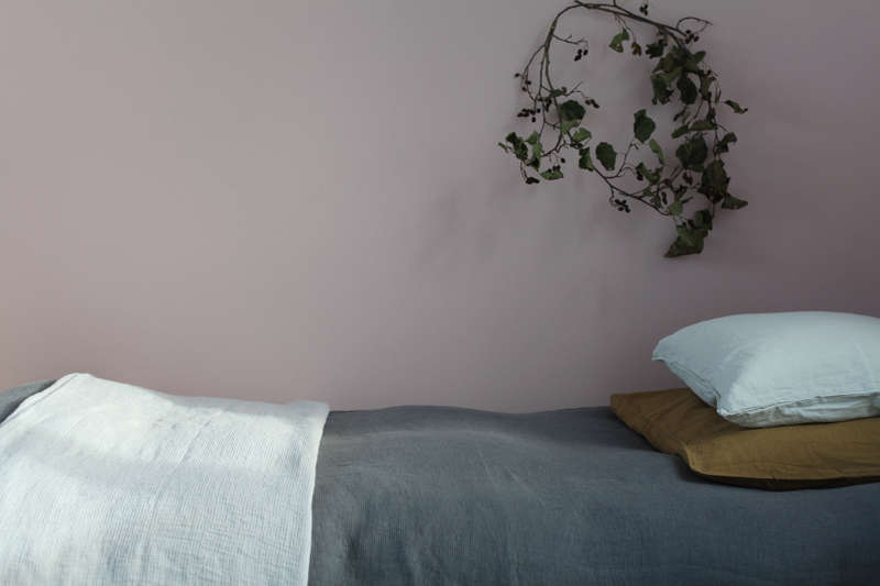 Linen bedding from Le-Reperes-des-Belettes   Remodelista