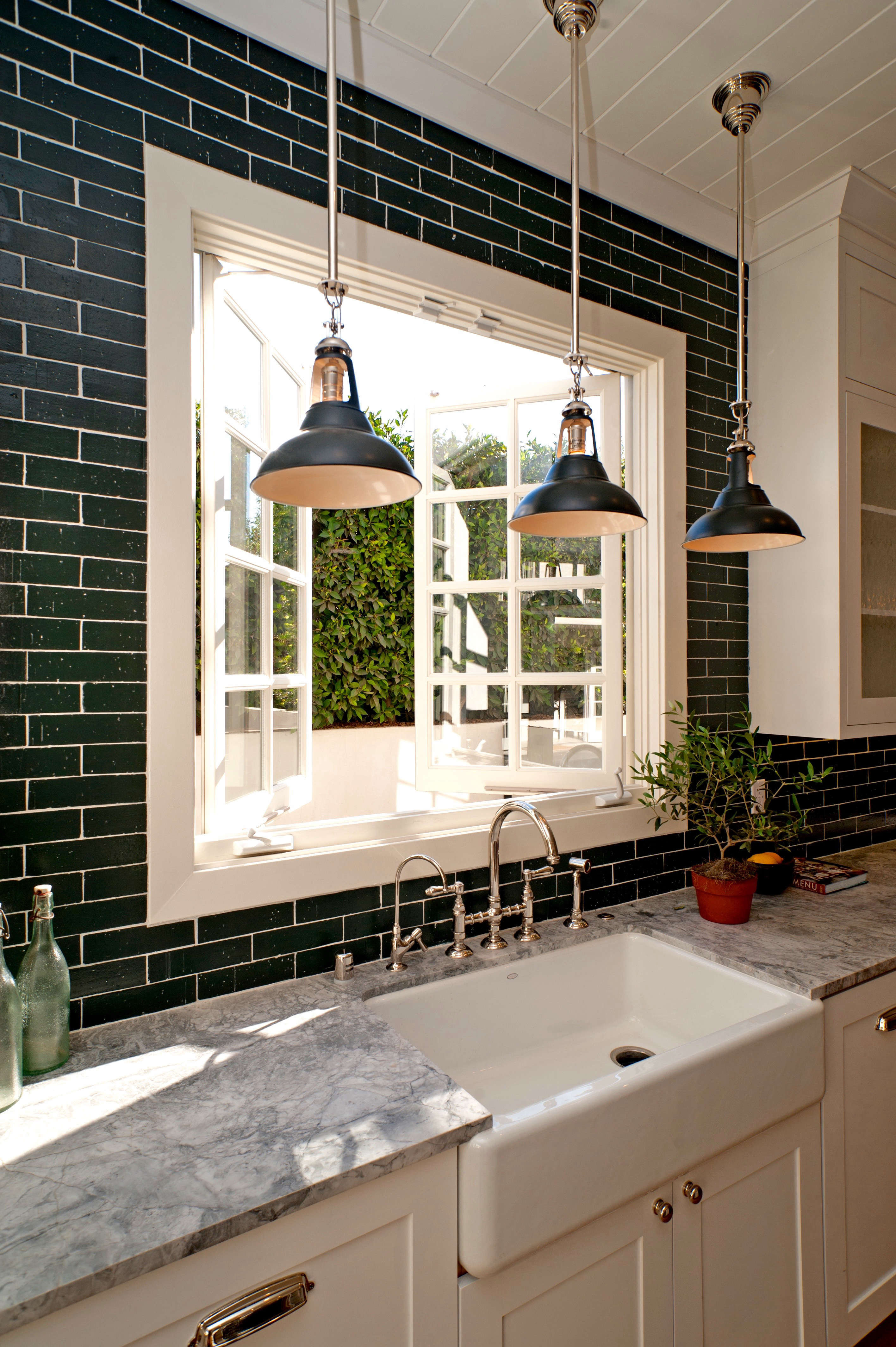 Build It For Less 5 Tips From La Spec House Designer