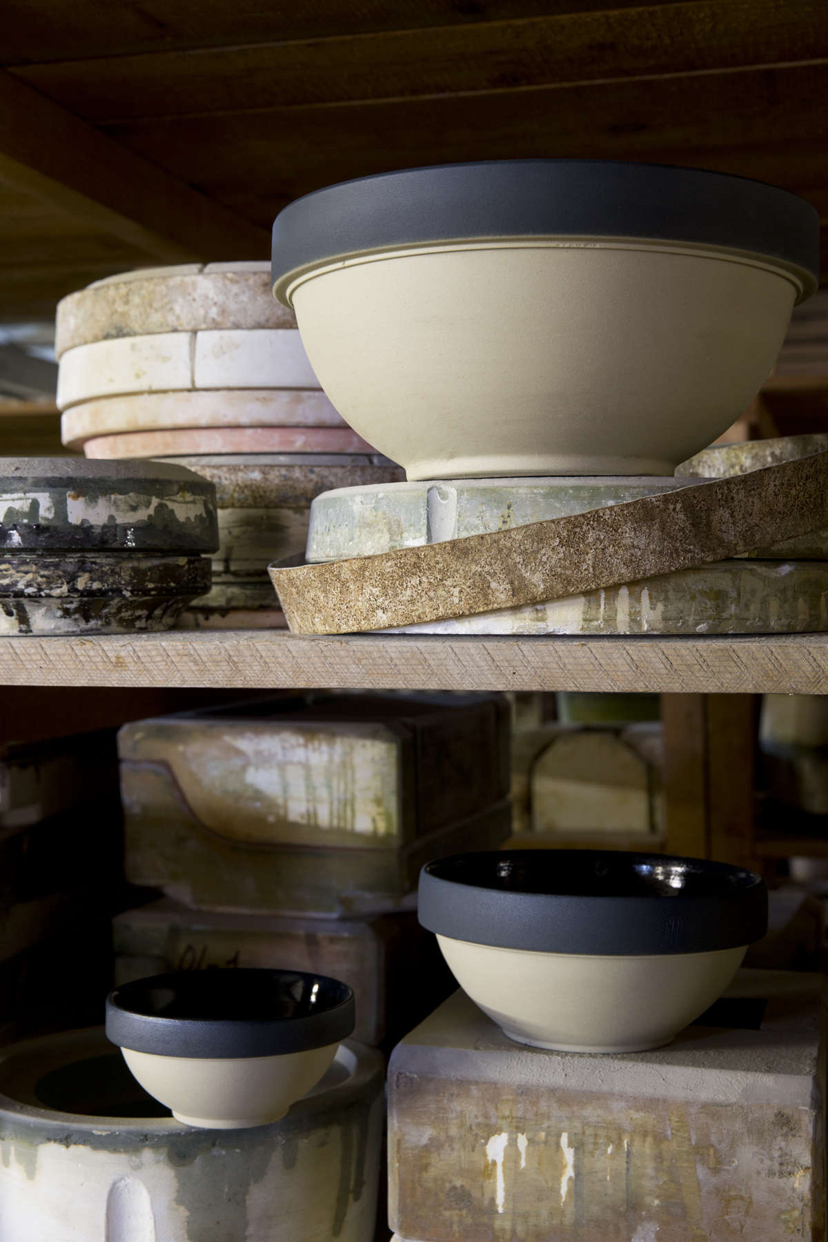 Digoin-mixing-bowls-from Le-Reperes-des-Belettes   Remodelista