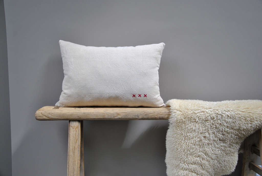 brocante 39 s vintage linen cushion remodelista. Black Bedroom Furniture Sets. Home Design Ideas