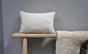 Linen-pillow-Le-Reperes-des-Belettes-Remodelista