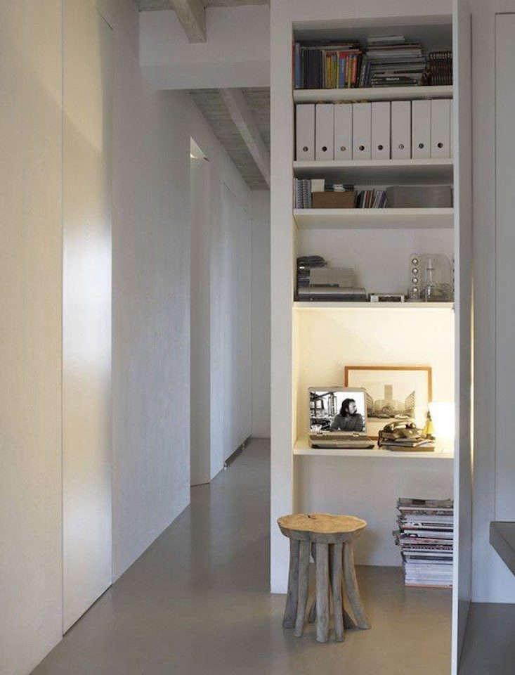 a desk tucked into a closet, via mi casa. 19