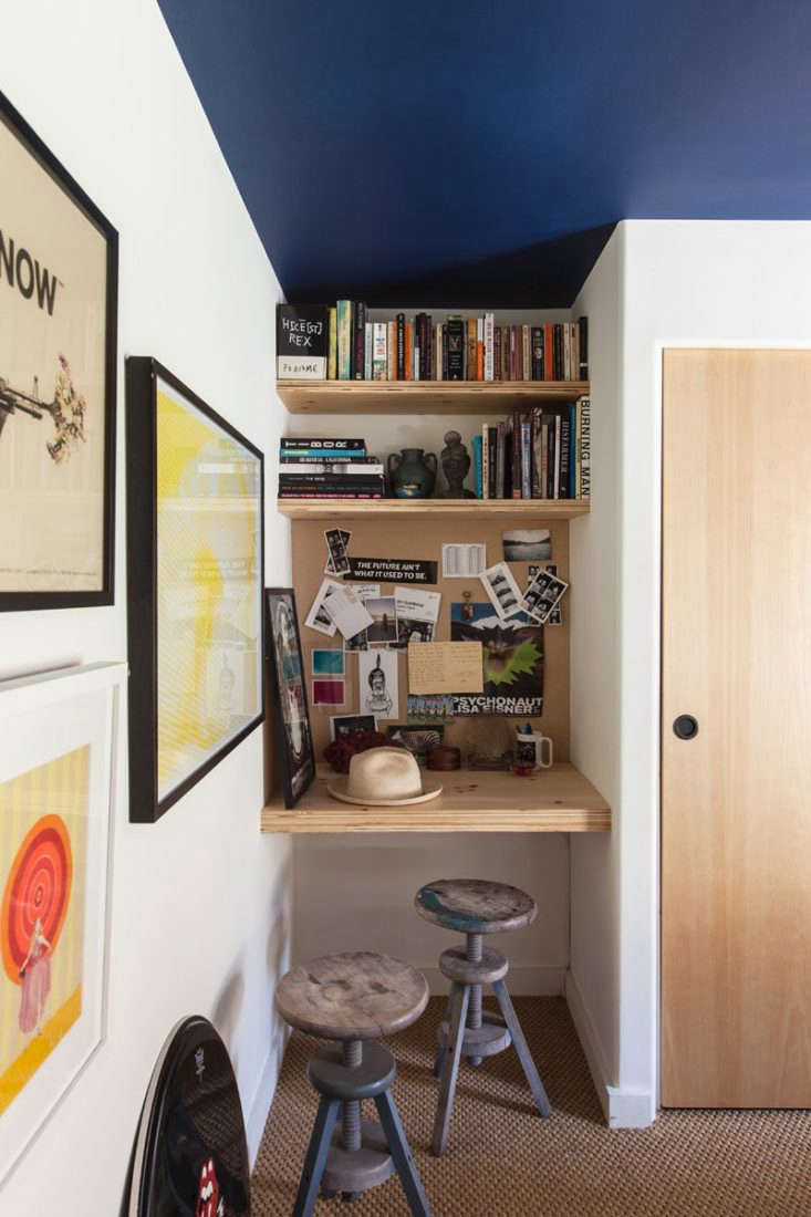 a tiny workspace in a 500 square foot trailer owned by los angeles art agent so 13