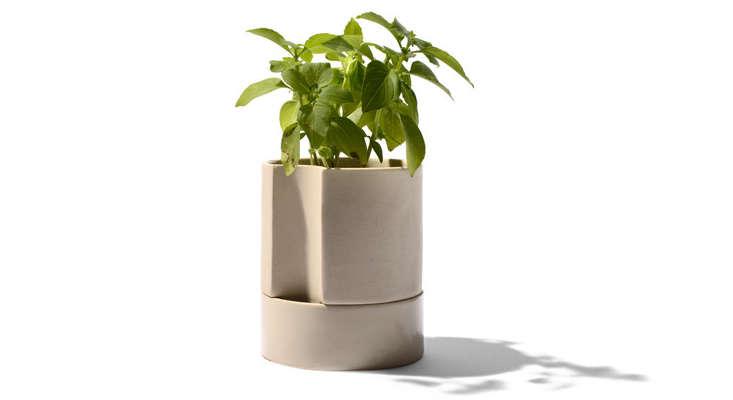 self-watering-ceramic-planter-gardenista