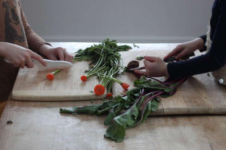 Compost Garden, cutting tops of veggies -DIY_Gardenista_2