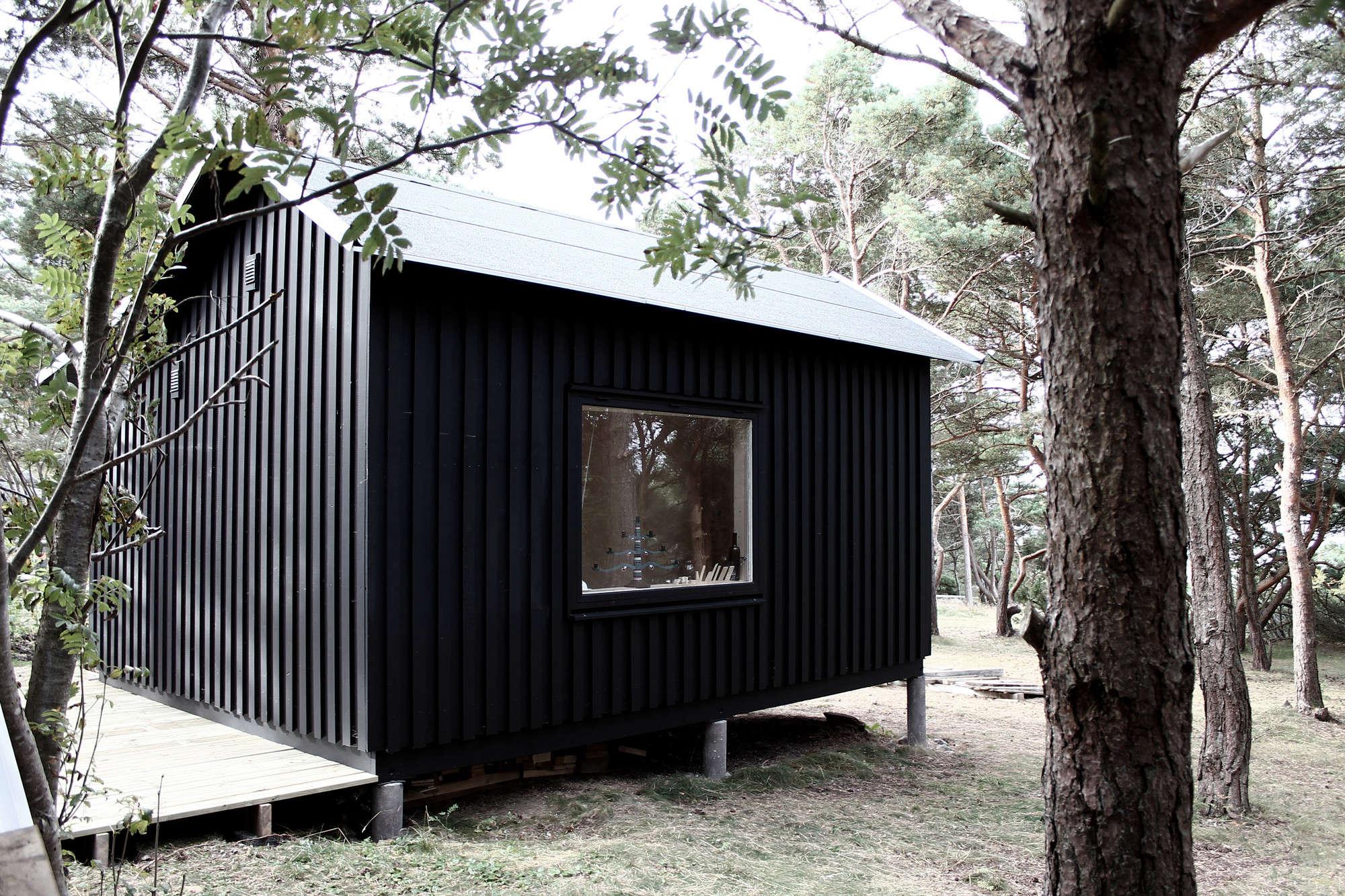 An island cabin sauna included remodelista for Enlighten sauna