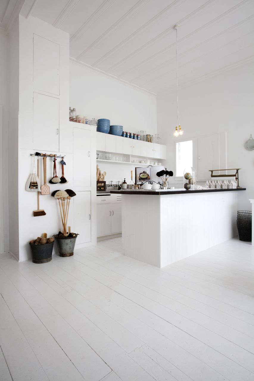 11 design ideas to steal from down under remodelista for Kitchen ideas limited