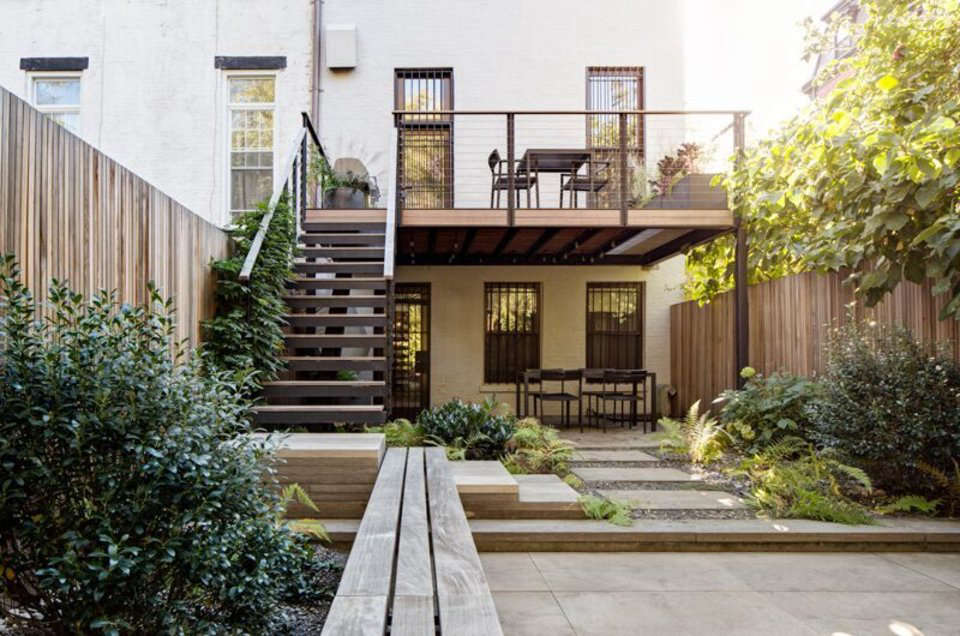 Garden designer visit brook klausing elevates a brooklyn for Townhouse garden design ideas