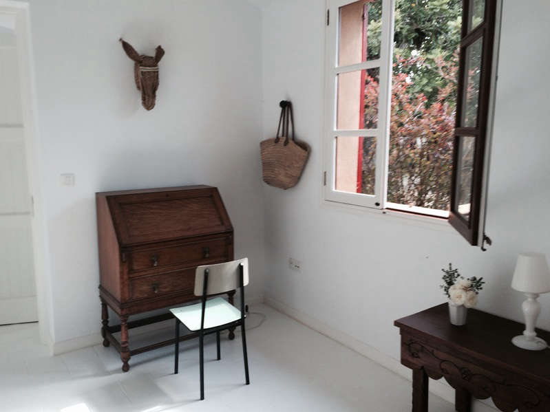 hito-home-desk-donkey-mount-remodelista